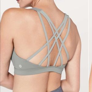New LULULEMON Free to Be Serene Bra Baltic Gray 8